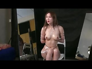Chinese model yiyi bondage shoot bts