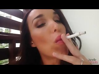 Sexy smoke and pee from this tranny babe