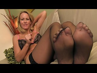 Jerking off to simone sonay s sexy feet