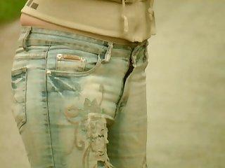 Katie wets her jeans in public