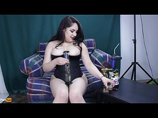 Sexy stoner babe daisy dabs Joi solo