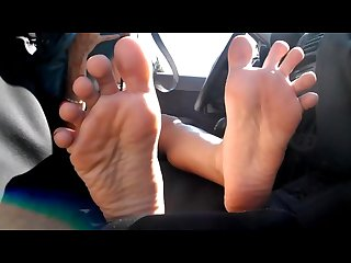Arab girl hides face but shows insanely hot feet soles