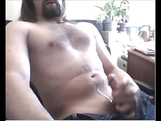 Str8 furry chested dad shoots a nice load