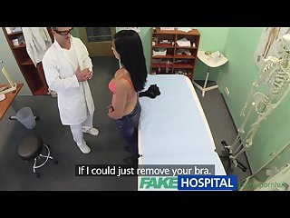 Fakehospital doctor convinces patient to have office sex