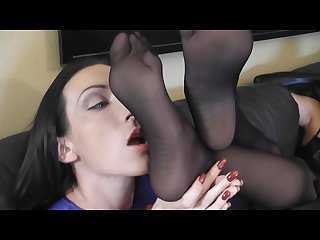 Superheorine foot control worship