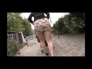 japanese mother big ass in tight miniskirt in a park enjoy upskirt big ass!