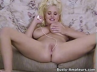 Busty mariah lynn playing her pussy with toy