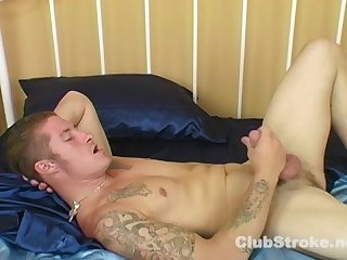 Hot tattooed straight guy dallas masturbating