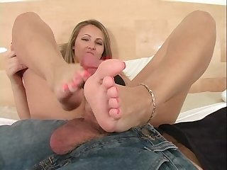 Gigi best footjob