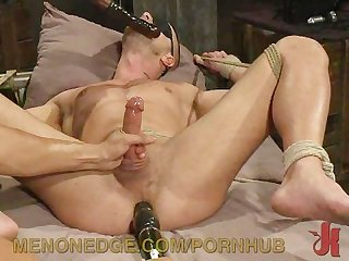 Gym rat gets and intense handjob