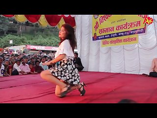 Hot dance in stage chittiyaan kalaiyaa hindi song Nepali dance Mp4