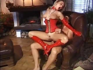 Blonde surprises her husband and gives a good fuck by the fire