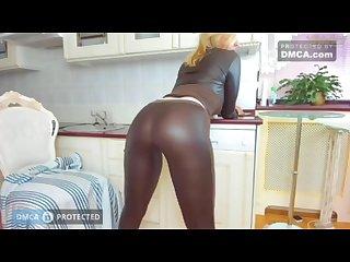 Tunderose big ass in leggings