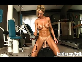 Hot and fit milf strips and rides the sybian