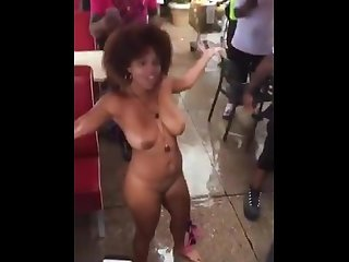 This crazy thot playing with her pussy in public letting people finger her