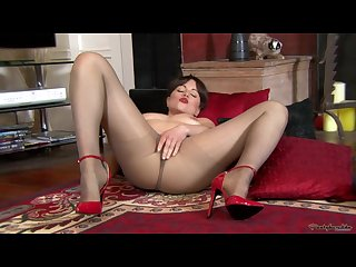 Pantyhosed4u Lucy love my hot pantyhose pussy