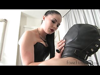 Black haired mistress punishes balls