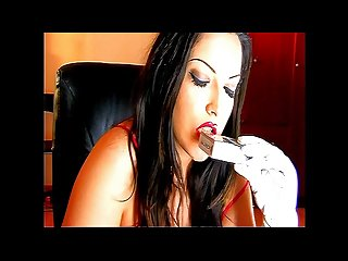 Alexxya lipstick and white gloved Smoke 7 minute video