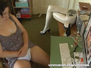 Lonely girl rubbing one out to porn