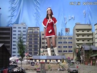 Giantess santa