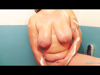 Aunt big tits masturbates in the shower