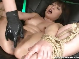 Oriental college babe gettingher clit flicked