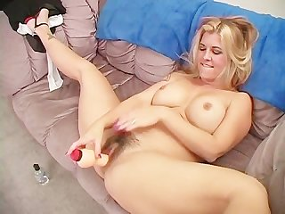 Pull my hairy cunt scene 1