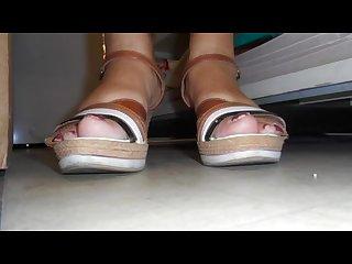 Les milfs orlannaise ont des pieds sales et odorants 4 Smelling feet