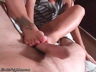 Lexi lapetina does oily footjob