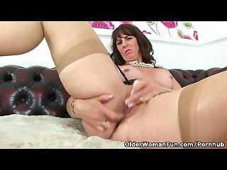 Scottish milf toni lace strips off her elegant dress