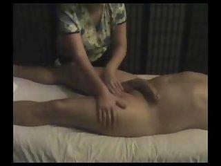 Je me suis fait massai le chibre chais aurlie une masseuse professionnelle