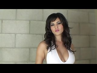 Sunny leone plays with herself