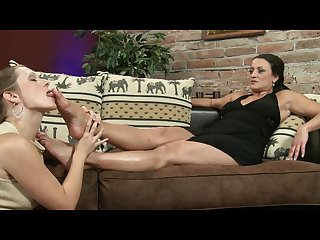 Chechfeet sexy milf feet worship