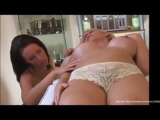 Kelly hart gives a sensual massage