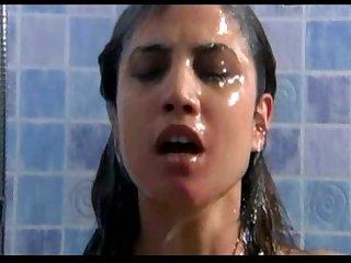 Toni acosta en una escena de sexo en policas