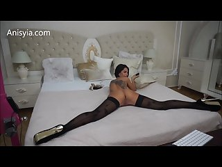Anisyia Livejasmin ass and pussy stretching from behind