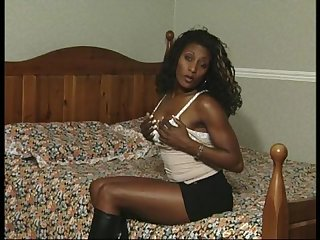 Ebony goddess madeleine one of the best uk black women to masturbate to