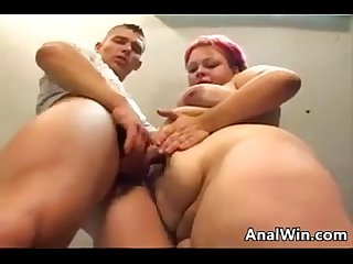 Amateur redhead bbw loves to do anal