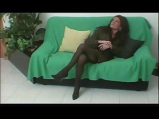 Mentre il marito a lavorare lei si sbatte un altro