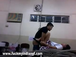 indian sex video college girl fucked by her boyfriend in laboratory mms