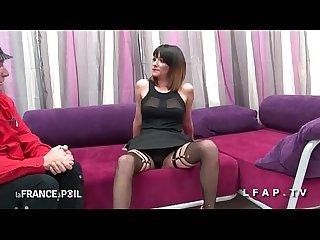 Casting anal jeune et jolie brunette francaise defoncee face camera
