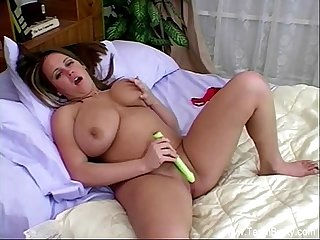 Amateur brandy s big tits and dildo
