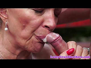 Trimmedpussy cougar orally pleasured
