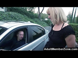 Adultmemberzone milf darryl hanah randomly fucks a stranger