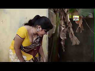 Sexy Bhabhi trying to seduce plumber