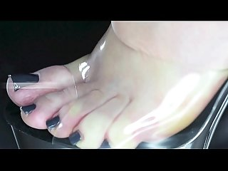 Be my feet slave eat and swallo my dirty feet