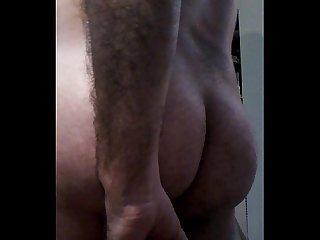 Brasileiro Na falta de pica usa consolo 22cm