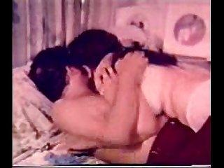 Mallu Aunty Lesbian & Threesome - Very Rare - Pundai