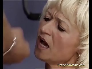 german muscle mom gets deep fucked