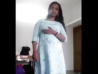 Indian girl undress for her bf